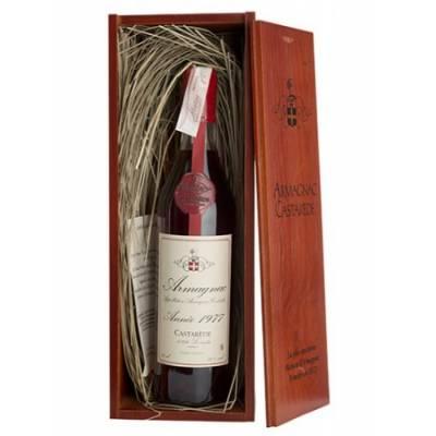 Armagnac Castarede, wooden box 1977 ( 0.7 )